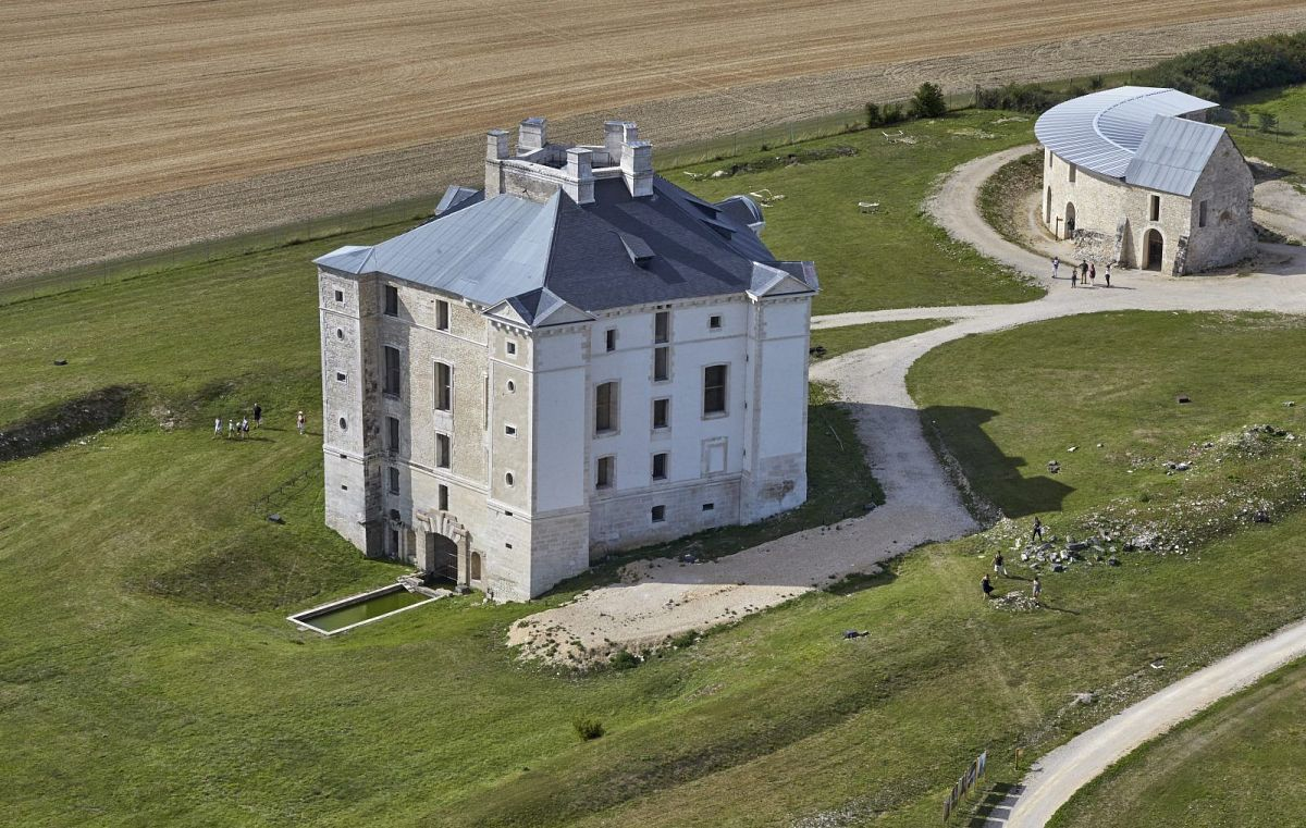 Cruzy-le-Chatel - Chateau de Maulnes  (89) [3]