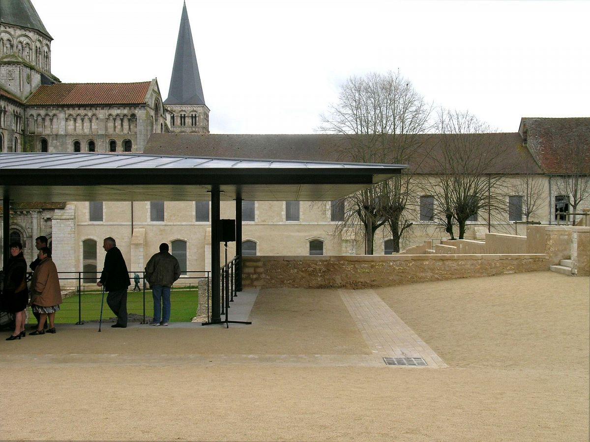 La Charité-sur-Loire - Vestiges de l'église (58) [4]