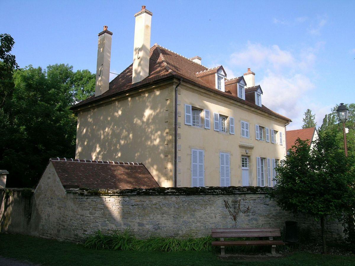 Gilly-les-Citeaux - Presbytere (21) [1]