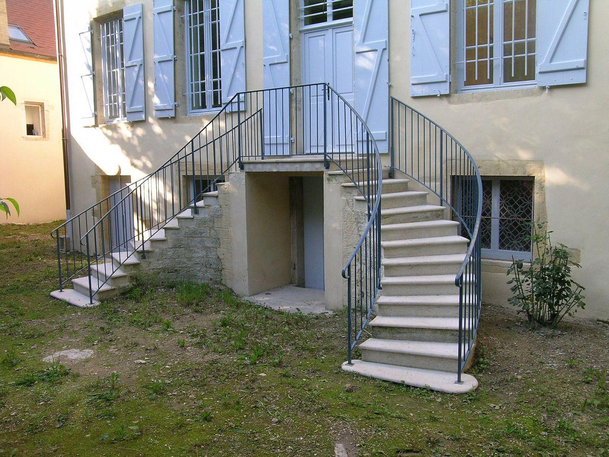 Gilly-les-Citeaux - Presbytere (21) [4]