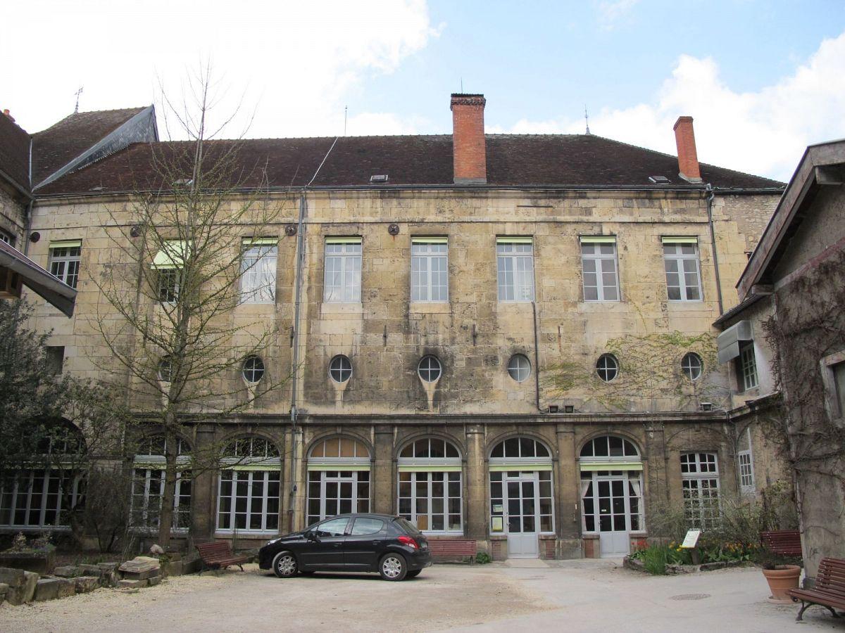 Flavigny-sur-Ozerain - Fabrique d'anis (21) [3]