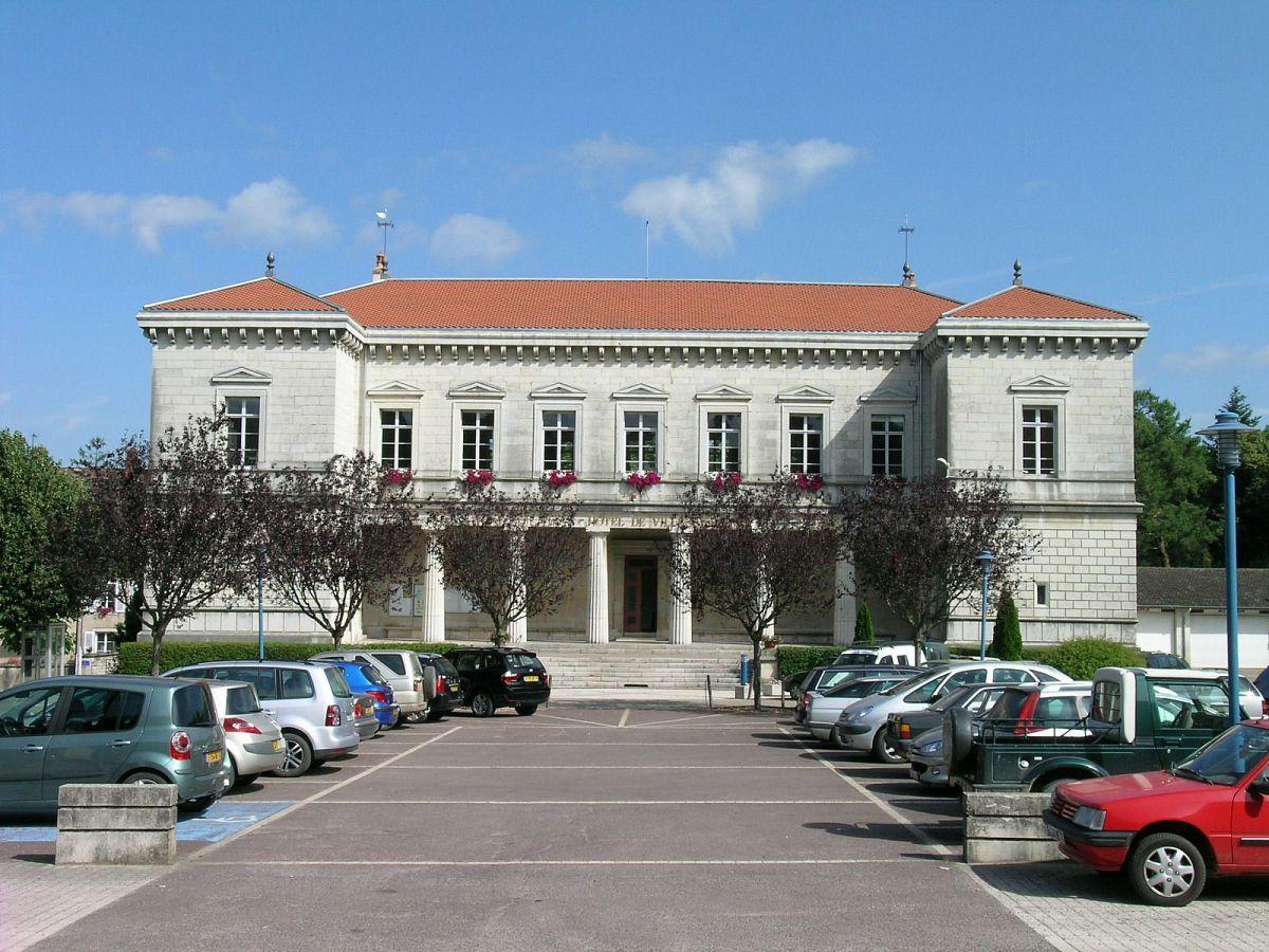 Gy - Hôtel de Ville (70) [2]