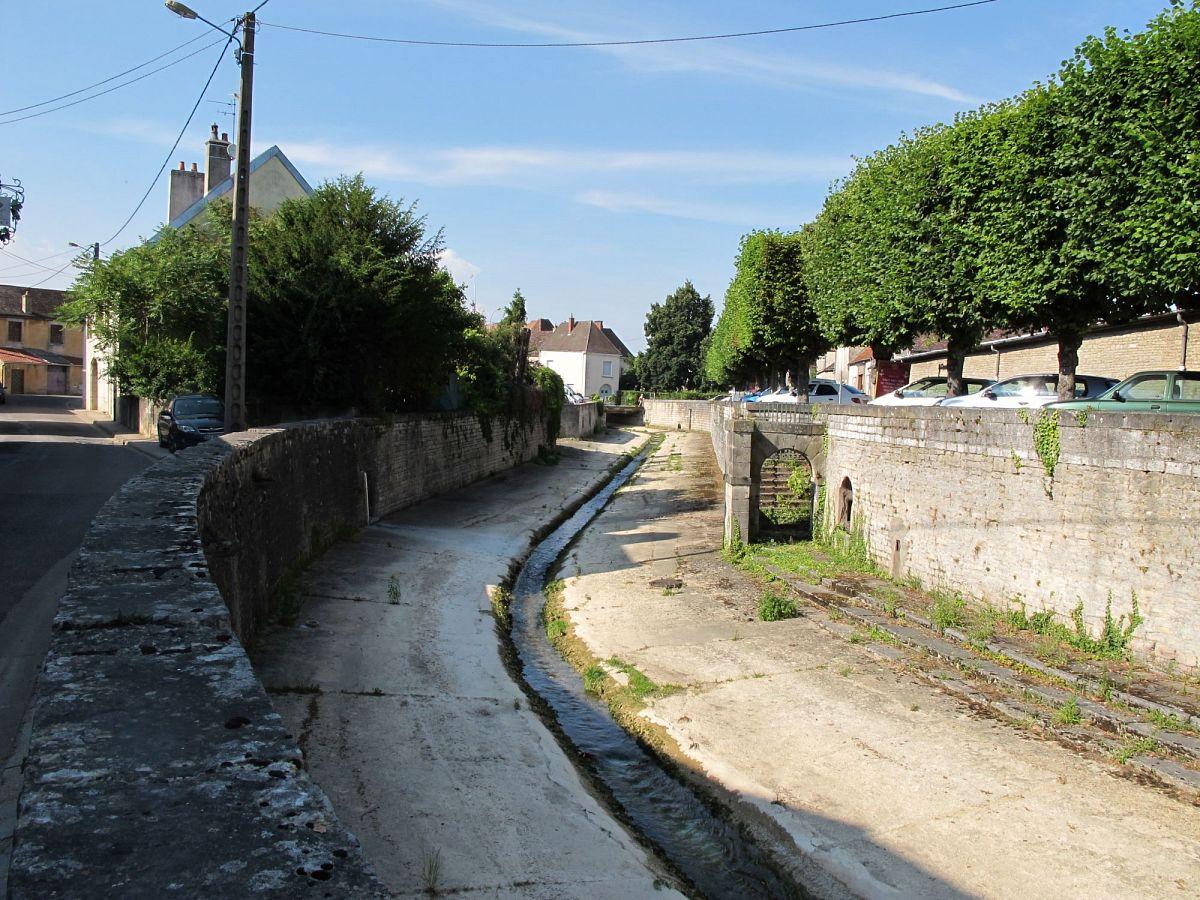 Nuits-Saint-Georges - Lavoir (21) [2]