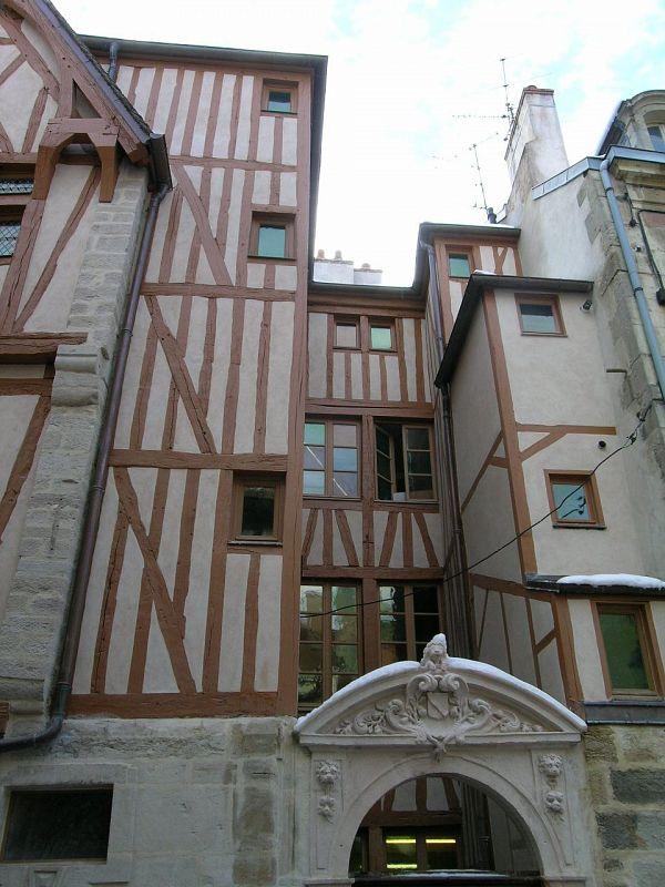 Dijon - Maison à Pan de Bois (21) [4]