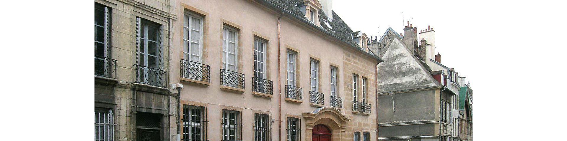 Dijon - Immeuble rue vannerie (21)